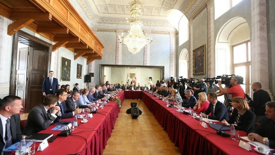 Predsjednik Vlade i članovi Vlade sa županima u Varaždinu: Ostvarena je konkretna projektna suradnja Vlade i lokalnih zajednica