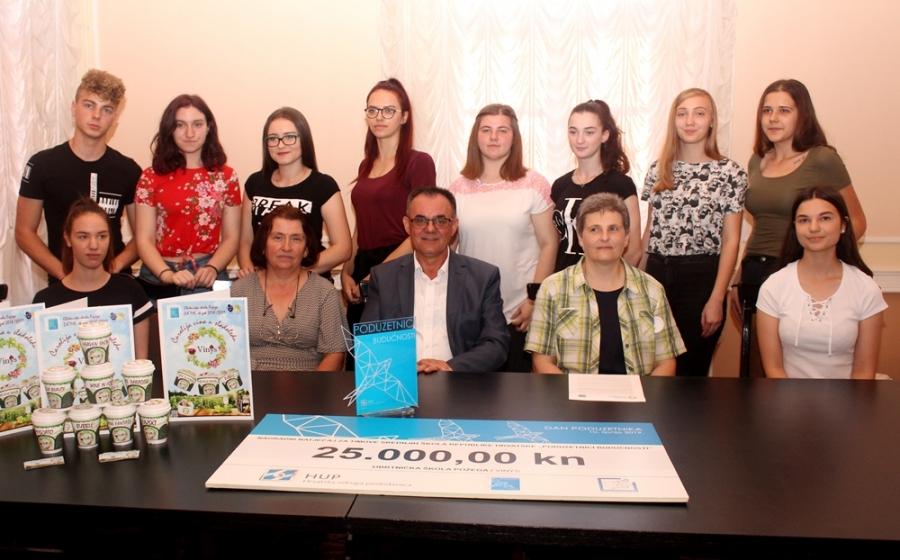 """Učenici Obrtničke škole iz Požege županu predstavili """"Vinys – vinski sladoled"""""""