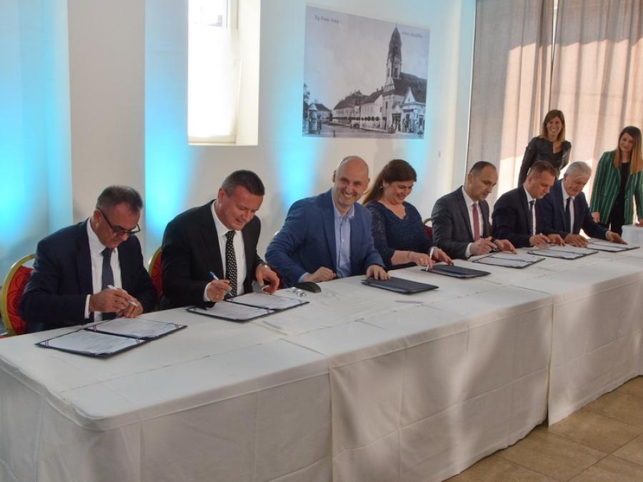 Na sjednici Savjeta za Slavoniju, Baranju i Srijem župan potpisao ugovore za Centar kompetentnosti i za razvoj ciklo turizma