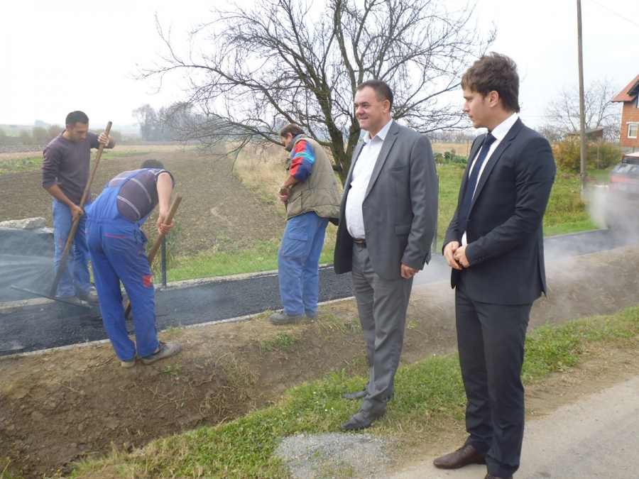 Radovi na izgradnji nogostupa u Kutjevu pri kraju