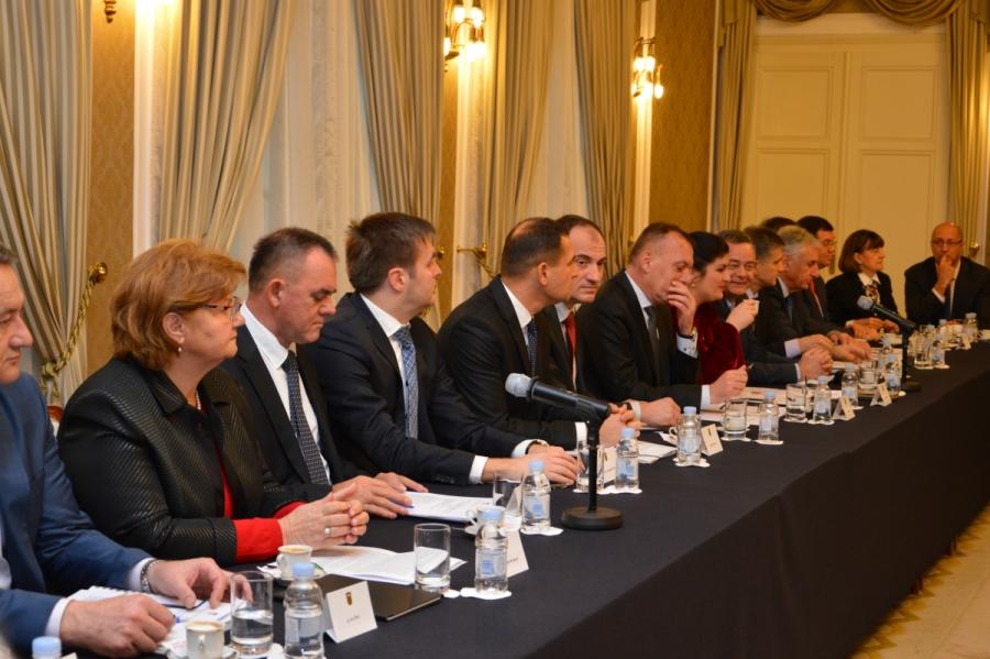 Premijer i župani o nužnosti decentralizacije i strateškim projektima
