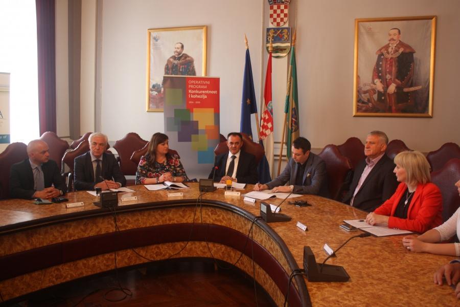 Općoj županijskoj bolnici Požega i Domu zdravlja Požeško-slavonske županije odobreno preko 40 milijuna kuna