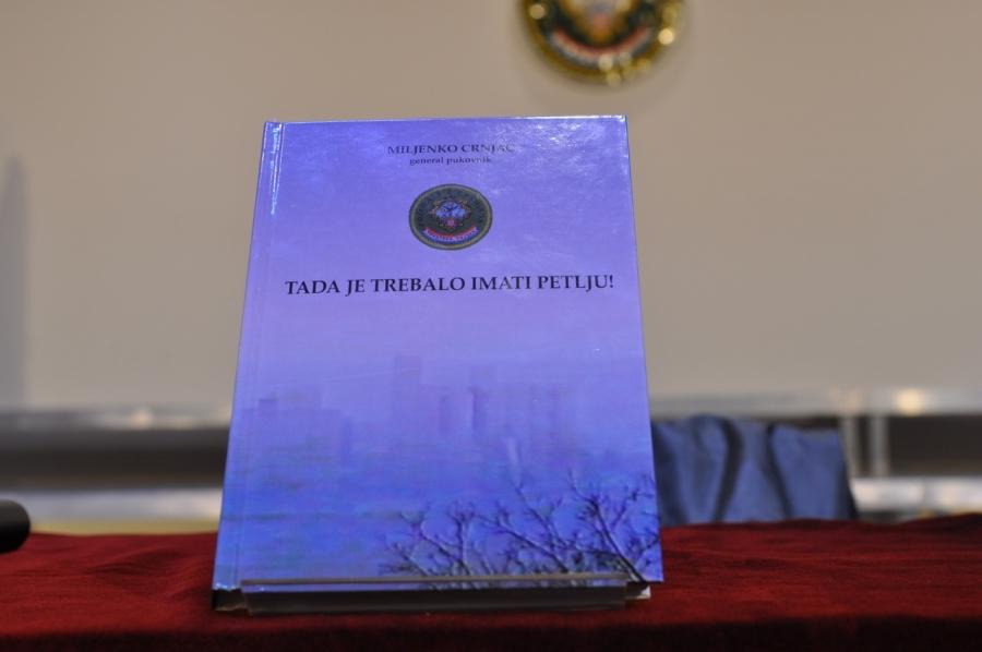 Predstavljena knjiga general pukovnika Miljenka Crnjca