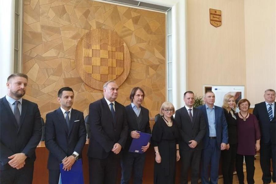"""Požeško-slavonska županija potpisala Ugovor za projekt """"Obrok za 5 – faza IV"""" u vrijednosti milijun kuna"""