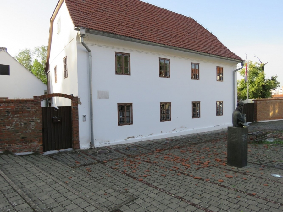 Ministarstvo kulture odobrilo je 4,5 milijuna kuna za sanaciju oštećenih kulturnih dobara na području Grada Požege