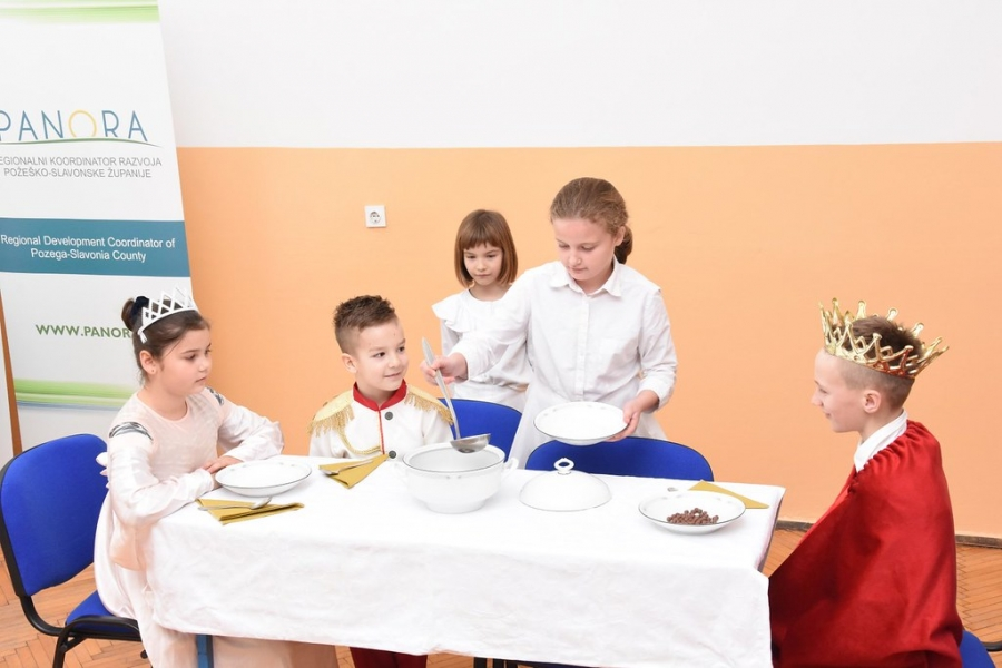 """Završna konferencija projekta """"Energetska obnova zgrade Područne škole Ruševo"""""""