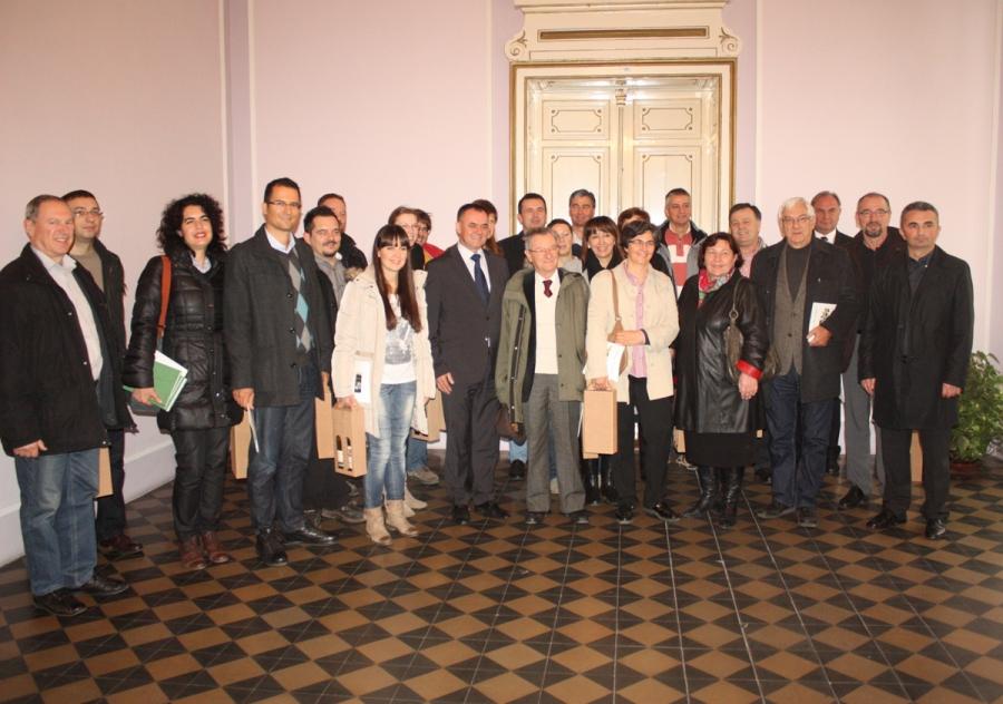 Predavači sa znanstvenog skupa na primanju kod župana Tomaševića