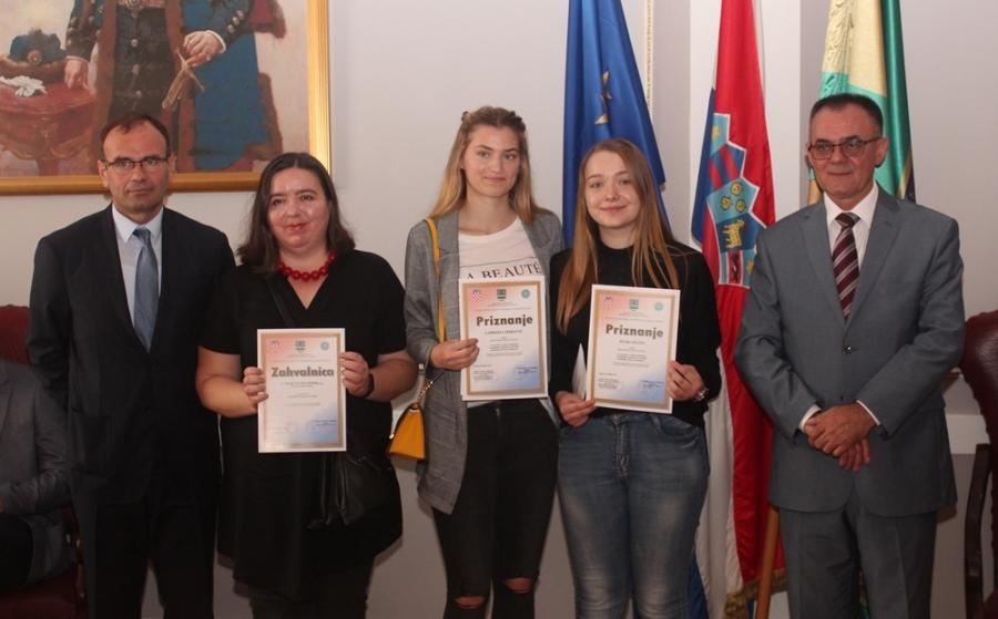 """Dodijeljene nagrade za najbolje radove i sudjelovanje na natječaju """"Kreativni i neovisni"""""""