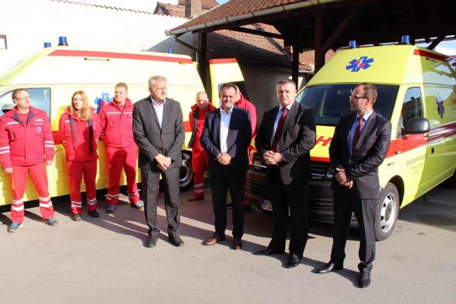 Zavodu za hitnu medicinu uručena dva nova vozila