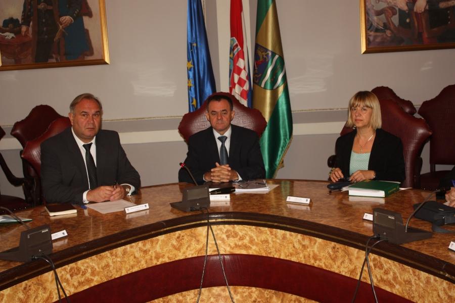 Sastanak župana s ravnateljima osnovnih i srednjih škola