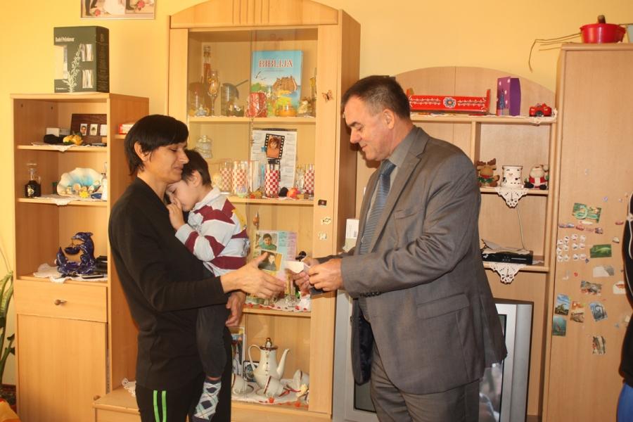 Umjesto Božićnog domjenka pomoć socijalno ugroženim obiteljima