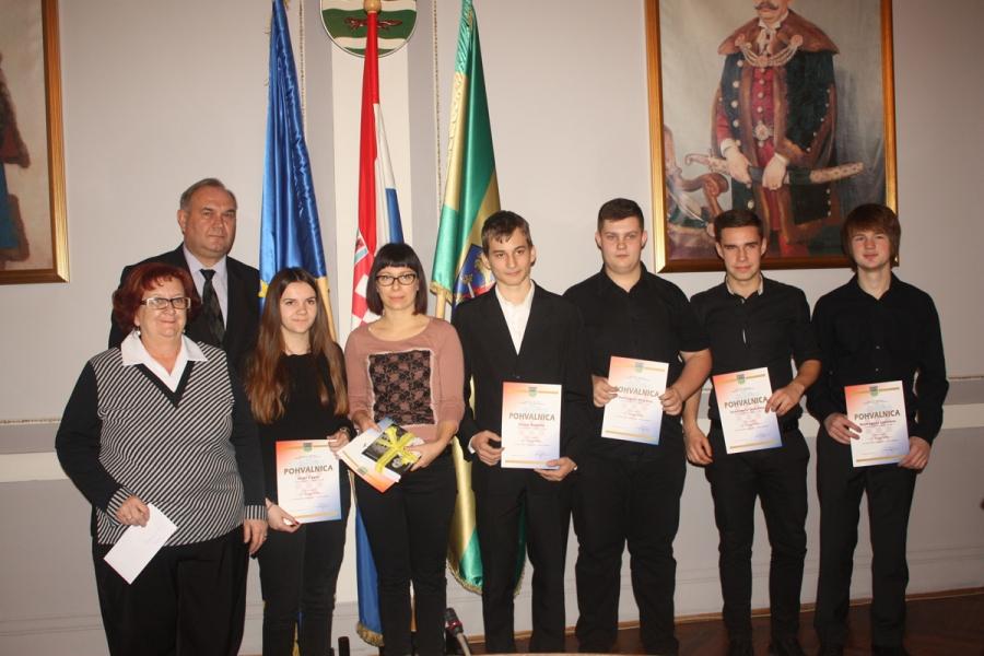 Dodjela nagrada učenicima osnovnih i srednjih škola
