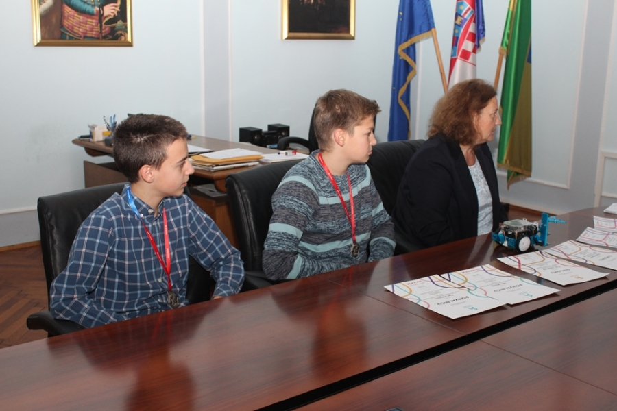 Učenici Gimnazije osvojili drugo mjesto na MakeX natjecanju iz napredne edukacijske robotike u Hrvatskoj