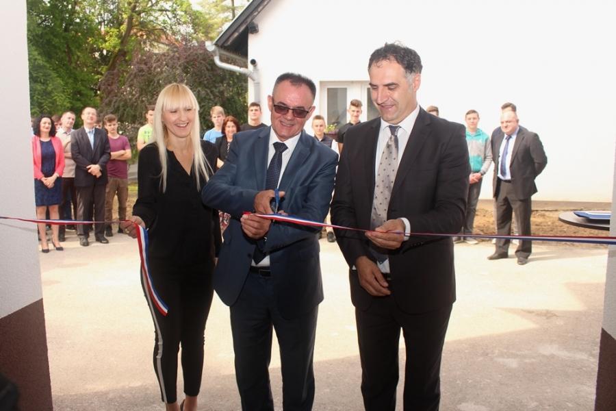 U Tehničkoj školi u Požegi svečano je otvoren Praktikum za automehaniku i autoelektriku