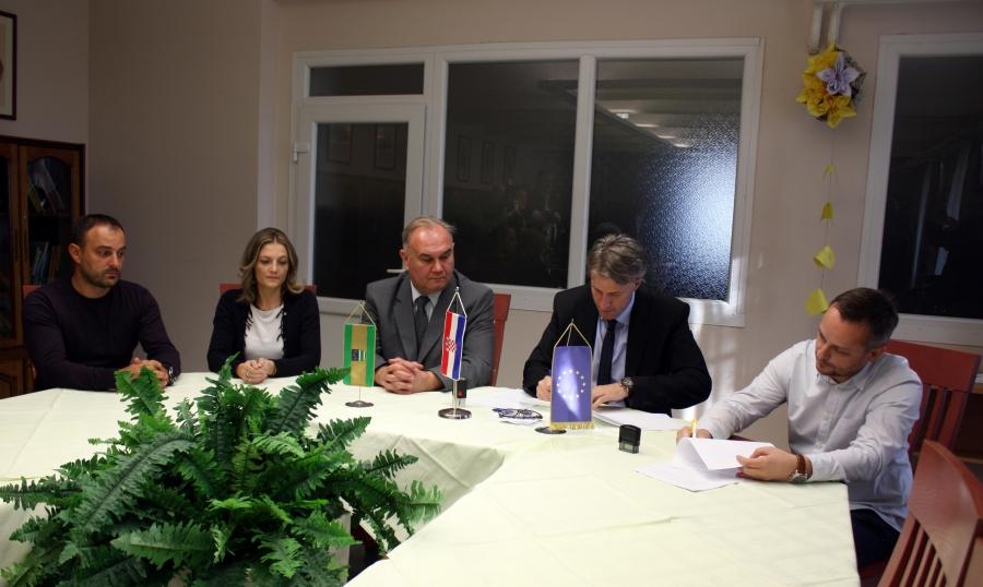 Potpisan ugovor o energetskoj obnovi Đačkog doma u Požegi