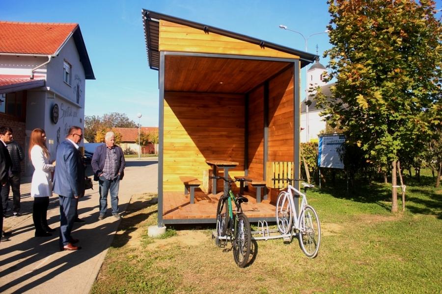 Predstavljeno biciklističko odmorište u Kaptolu