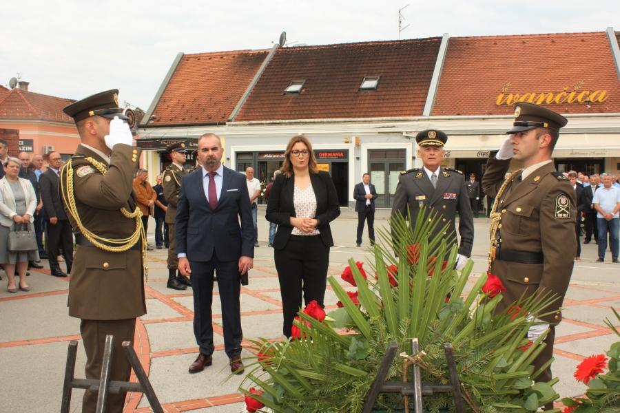 """Polaganje vijenaca povodom 30. obljetnice 63. """"A"""" samostalne bojne ZNG Požega"""