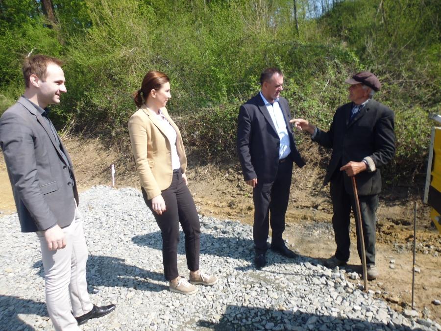 Župan u obilasku radova na cesti Bučje - Lovčić