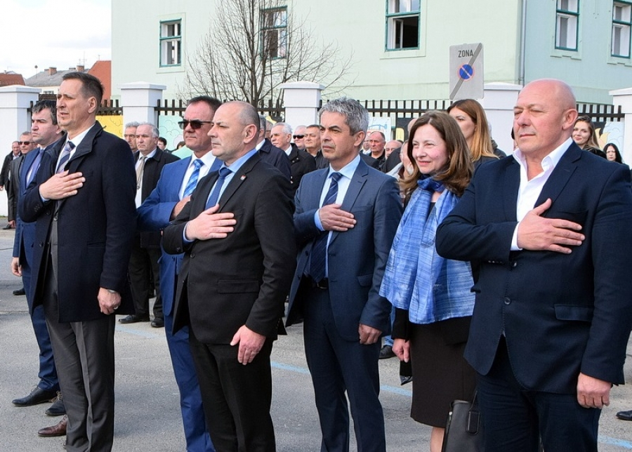 Službeno otvoreni radovi na obnovi Trga bana Jelačića u Pakracu