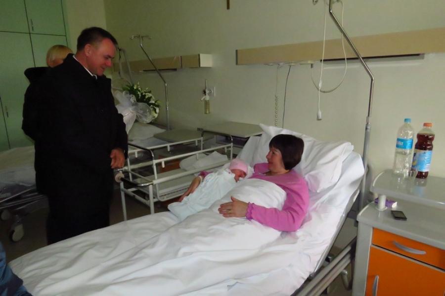 Mala Eva prva beba rođena u 2016. godini