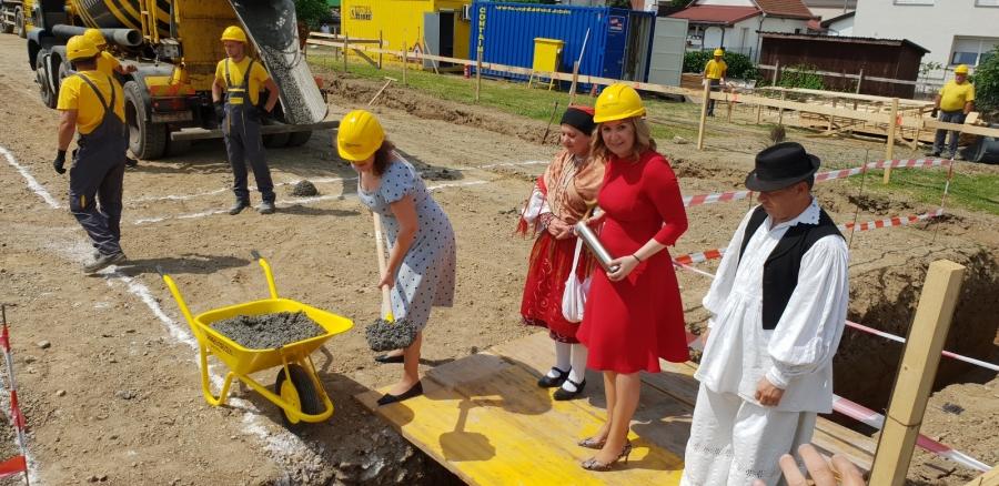 Polaganje kamena temeljca za izgradnju tržnice u Pleternici